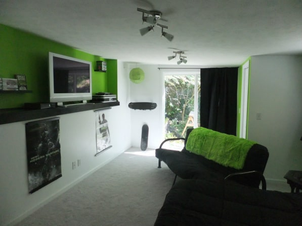 10 real life video game room decors that 39 ll amaze you for Cool gamer bedroom ideas